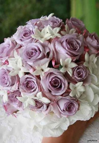 Bouquet Sposa Lilla E Bianco.Foto 112 Bouquet Sposa Bouquet Bianco E Lilla Lemienozze It