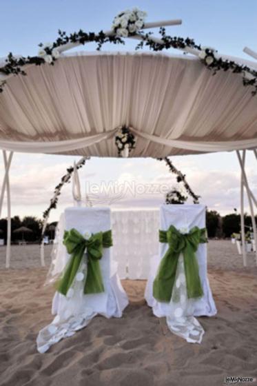 Matrimonio Spiaggia Monopoli : Cerimonia di nozze sulla spiaggia a monopoli losciale