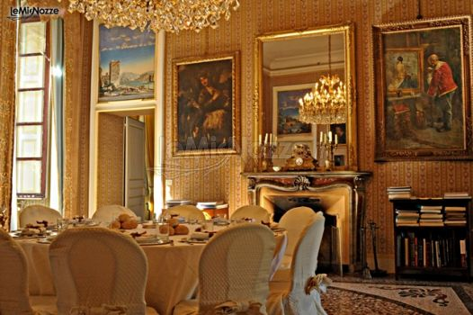 Matrimonio In Un Castello : Tavoli per il ricevimento di matrimonio in un castello