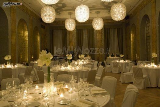 Foto 302 addobbi floreali location addobbo floreale della sala con illuminazione soft per il - Addobbi sala matrimonio ...