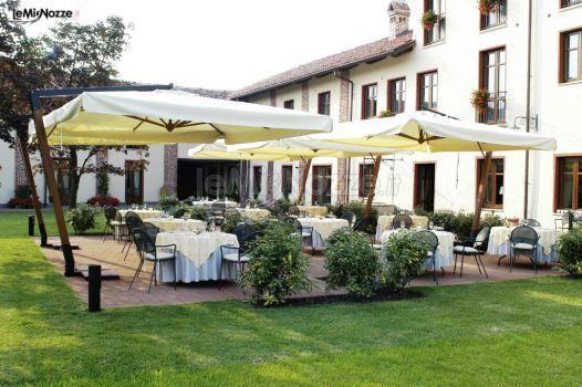 Allestimento del giardino per l 39 aperitivo di nozze restaurant relais romantik hotel furno - Allestimento giardino ...