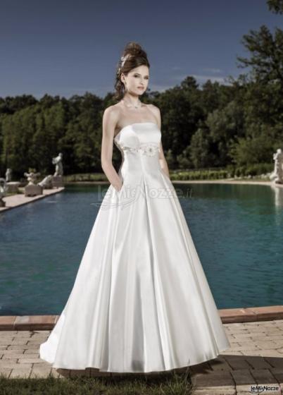 4b8abc12363b Oliviero Sposi - Città della Sposa - L eleganza e lo stile dell abito da  sposa