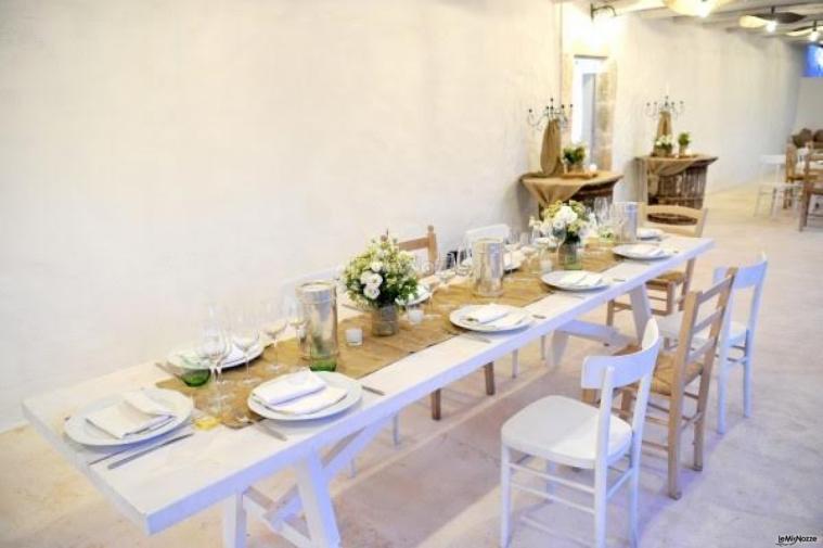 Masseria San Michele - I tavoli all'intenro