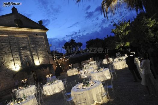 Tavoli luminosi per il ricevimento di nozze