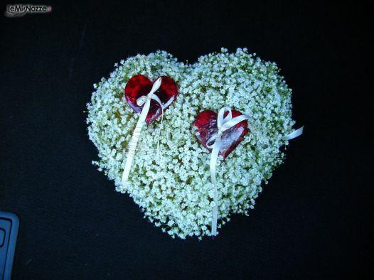 Foto 362 - Addobbi floreali chiesa e cerimonia - Cuscino porta fedi ...