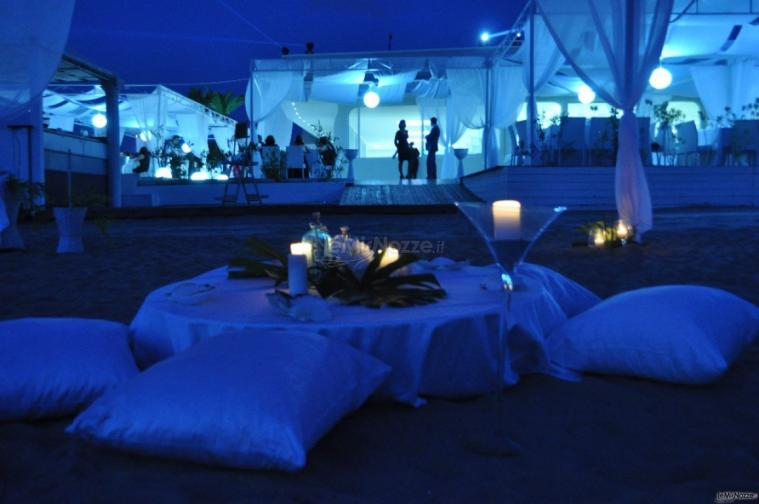 Matrimonio Spiaggia Eventi : Luismas allestimento matrimonio in spiaggia