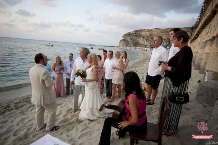 Matrimonio Spiaggia Calabria : La cerimonia simbolica in spiaggia calabria wedding