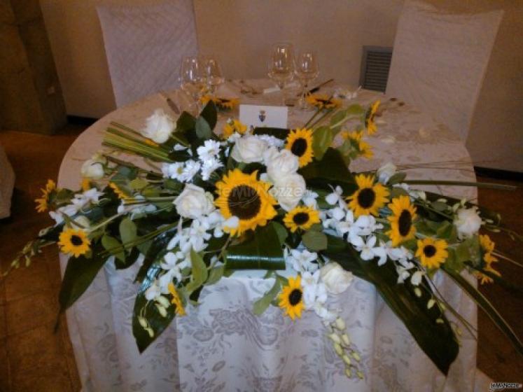 Tavoli Matrimonio Girasoli : Addobbo girasoli tavoli sposi casa del fiore di luca
