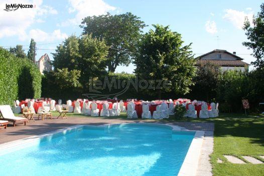 Ricevimento di matrimonio a bordo piscina tenuta la for Matrimonio bordo piscina