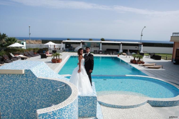 Grand Hotel Paradiso - Sposi a bordo piscina