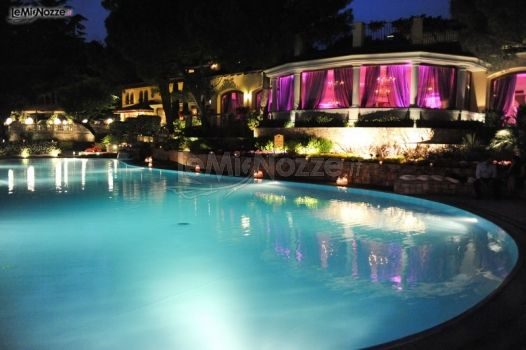 Matrimonio a bordo piscina matrimoni d 39 autore di anna for Matrimonio bordo piscina