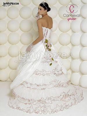 Foto 649 - Abiti da sposa classici - Carnevali Spose - Collezione ... fe3c00e61f7