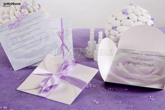 Matrimonio In Lilla : Partecipazioni con nastro lilla per il matrimonio d day
