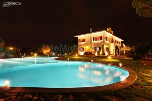 Villa con piscina per ricevimenti di nozze a roma tenuta - Piscina castelli romani ...