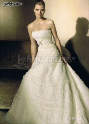Abito da sposa elegantemente ricamato - Lindera Spose - Foto 1 c054c44e6f1