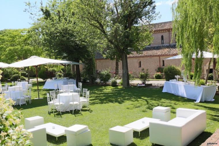 Matrimonio Ponzano Romano : Divanetti lounge per il matrimonio abbazia di sant