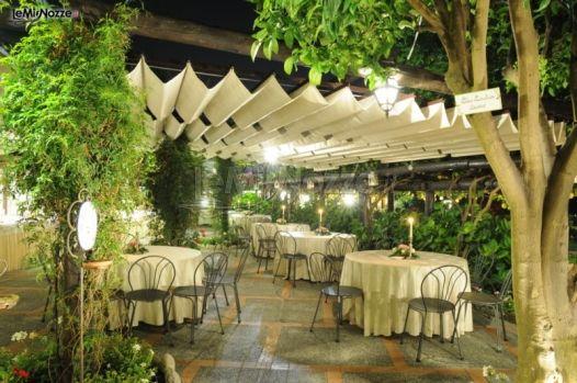 Allestimento per il ricevimento di matrimonio in giardino for Allestimento giardino