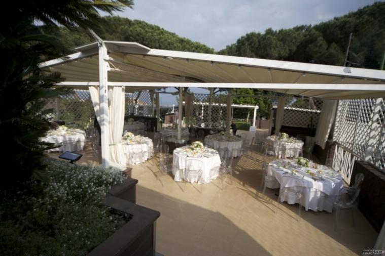 Virgilio Club - La terrazza con vista sul Golfo di Napoli