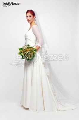 Abito da sposa con maniche a tre quarti in tulle