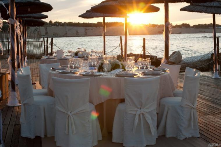 Matrimonio Spiaggia Puglia : Ricevimento sulla spiaggia in puglia lido salsello