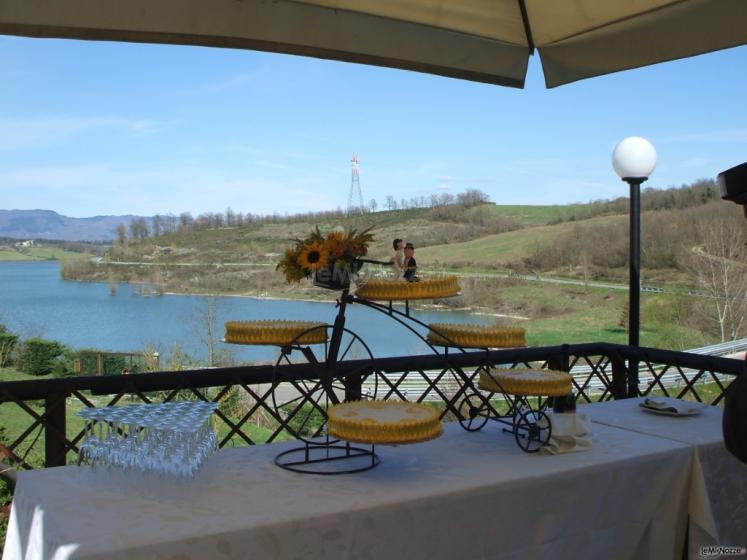 Borgo La Fratta - Torta di nozze sul lago