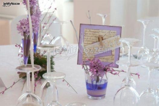 Matrimonio In Lilla : Foto centrotavola matrimonio segnaposto lilla per