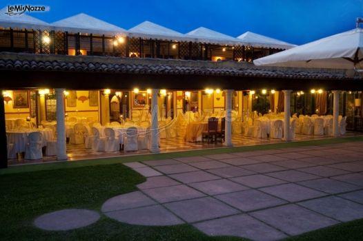 Veranda esterna per il ricevimento di nozze ristorante for Disegni ponte veranda