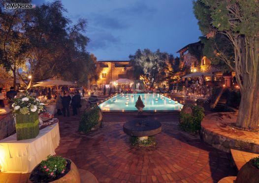 Matrimonio a bordo piscina borgo della merluzza foto 6 for Matrimonio bordo piscina