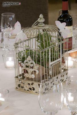 Centrotavola di nozze con piante aromatiche