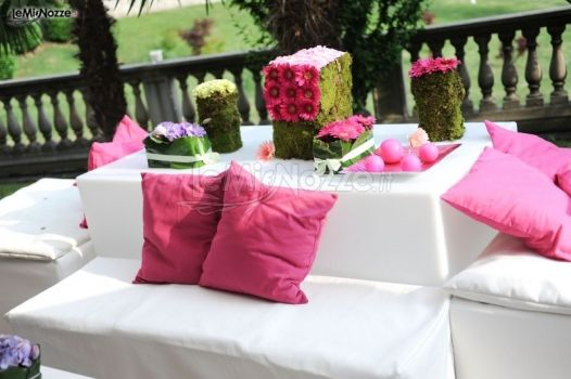 Allestimento del matrimonio in giardino matrimoni d for Allestimento giardino matrimonio