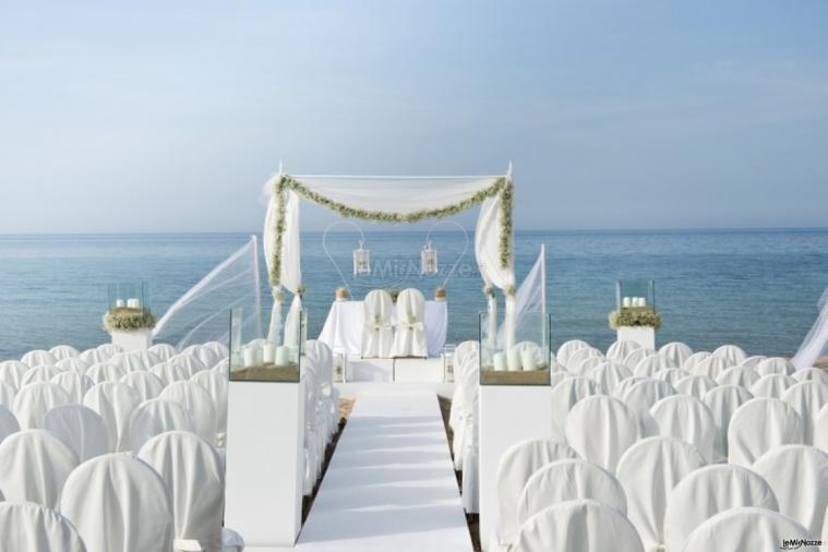 Popolare Coccaro Beach Club - Matrimonio in spiaggia Monopoli - LeMieNozze.it PE37