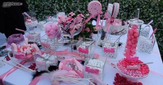 Tavolo dei confetti di matrimonio multigusto