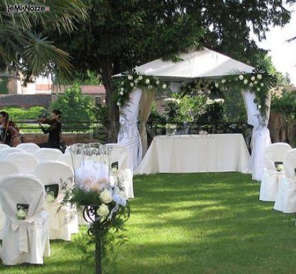 Foto 186 - Addobbi floreali chiesa e cerimonia - Allestimento con un gazebo per la cerimonia di ...