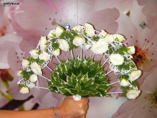 Bouquet Sposa Ventaglio.Foto 239 Matrimonio In Bianco Ventaglio Di Fiori Per Il