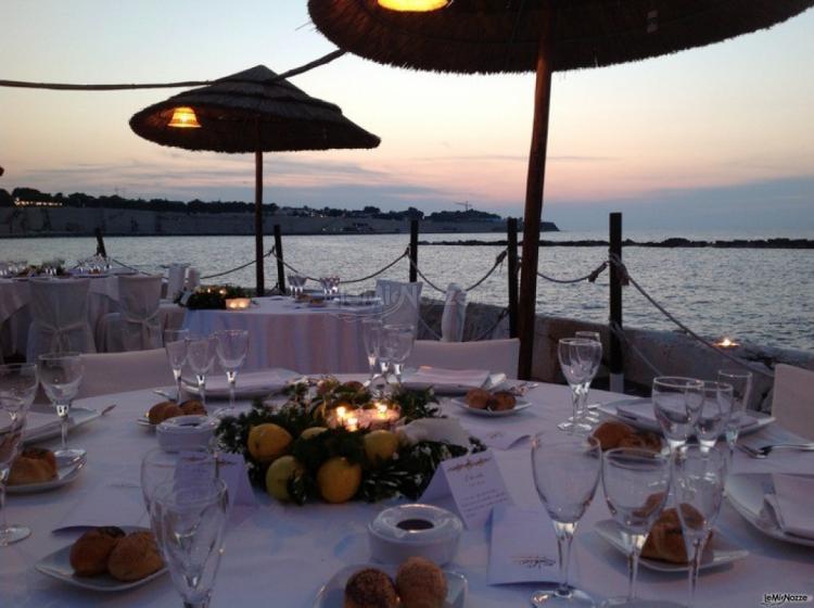 Matrimonio Spiaggia Bari : Ricevimento sulla spiaggia a bari lido salsello