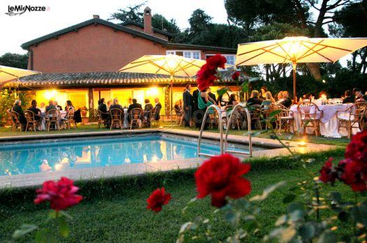 Ricevimento di matrimonio a bordo piscina villa ales for Matrimonio bordo piscina