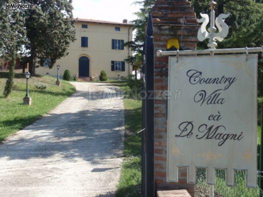 Entrata della villa per il ricevimento di matrimonio