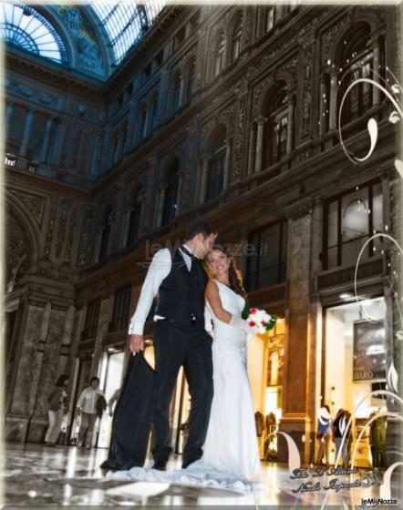 Sposi nella Galleria a Napoli by Nicola Improda