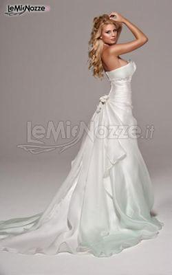 72f06d2b140b Foto 48 - Abiti da sposa classici - Vestito da sposa con gonna ampia ...