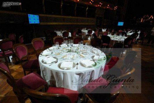 Matrimonio Natale Giunta : Tavolo rotondo per le nozze natale giunta ristorante