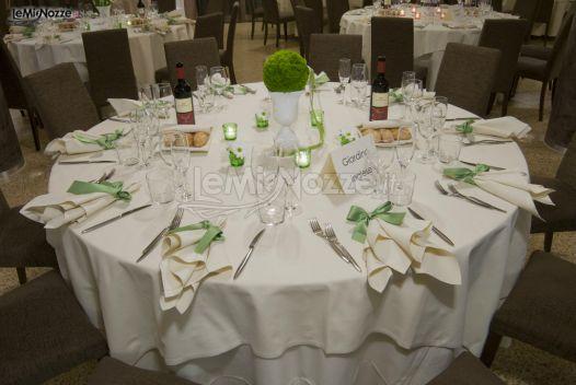 Mise en place in verde per le nozze