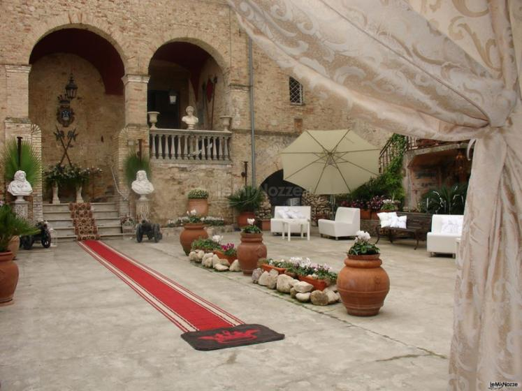 Palazzo Baronale Tozzi - Cortile d'ingresso