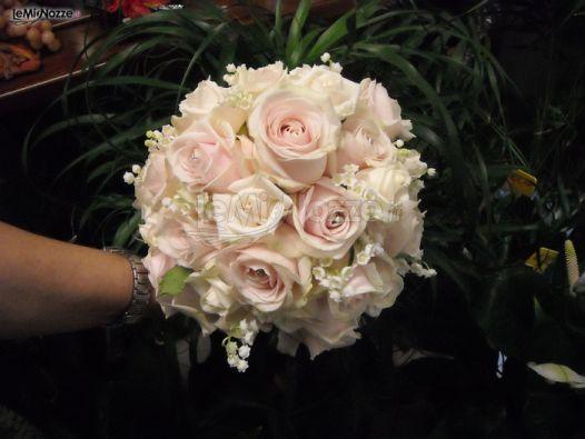 Bouquet Sposa Rose Rosa.Foto 166 Matrimonio In Rosa Bouquet Di Rose Rosa Per La Sposa