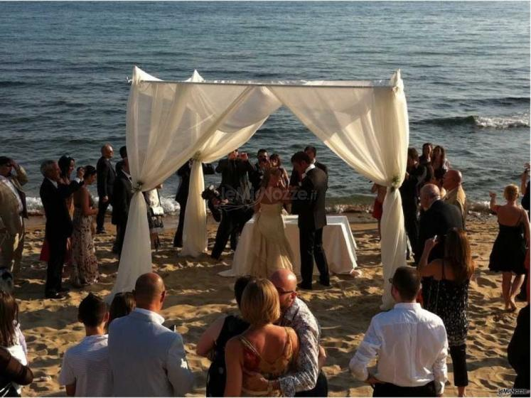Hotel Villaggio Torre San Vito - Matrimonio sulla spiaggia