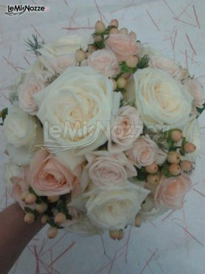 Bouquet Sposa Con Rose.Foto 53 Bouquet Classico Bouquet Sposa Con Rose Lemienozze It