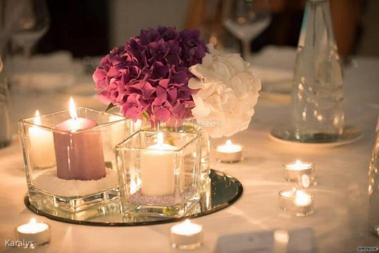 Foto 3 addobbi floreali location centrotavola con for Addobbi tavoli matrimonio con candele