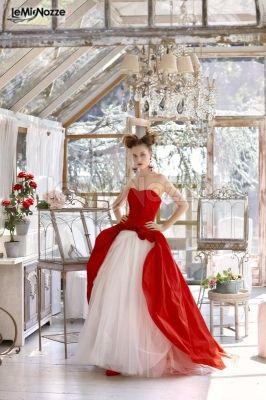 Vestiti Da Sposa Bianchi.Foto 34 Abiti Da Sposa Colorati Abito Da Sposa Rosso E Bianco