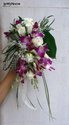 Fiori Bianchi A Cascata.Foto 65 Matrimonio In Lilla Bouquet A Cascata Di Fiori Viola E