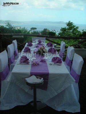 Tavolo con vista sul Golfo di Napoli