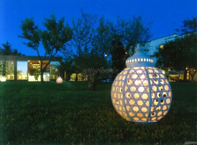Masseria Montepaolo - Il giardino illuminato di sera